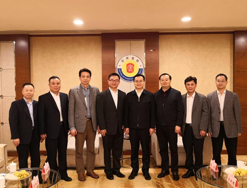张爱军市长会见美国华人联合总会理事长熊文胜先生一行